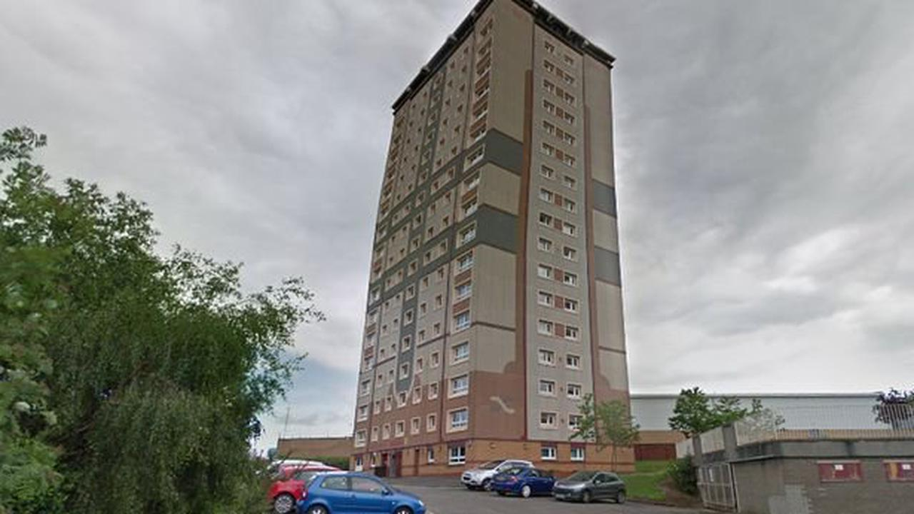 Flat residents report maggot infestation before cops find body of man who died weeks ago