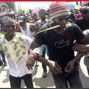 Brave Protesters in Aba surprised the Police who came to stop their protest; here is what they did