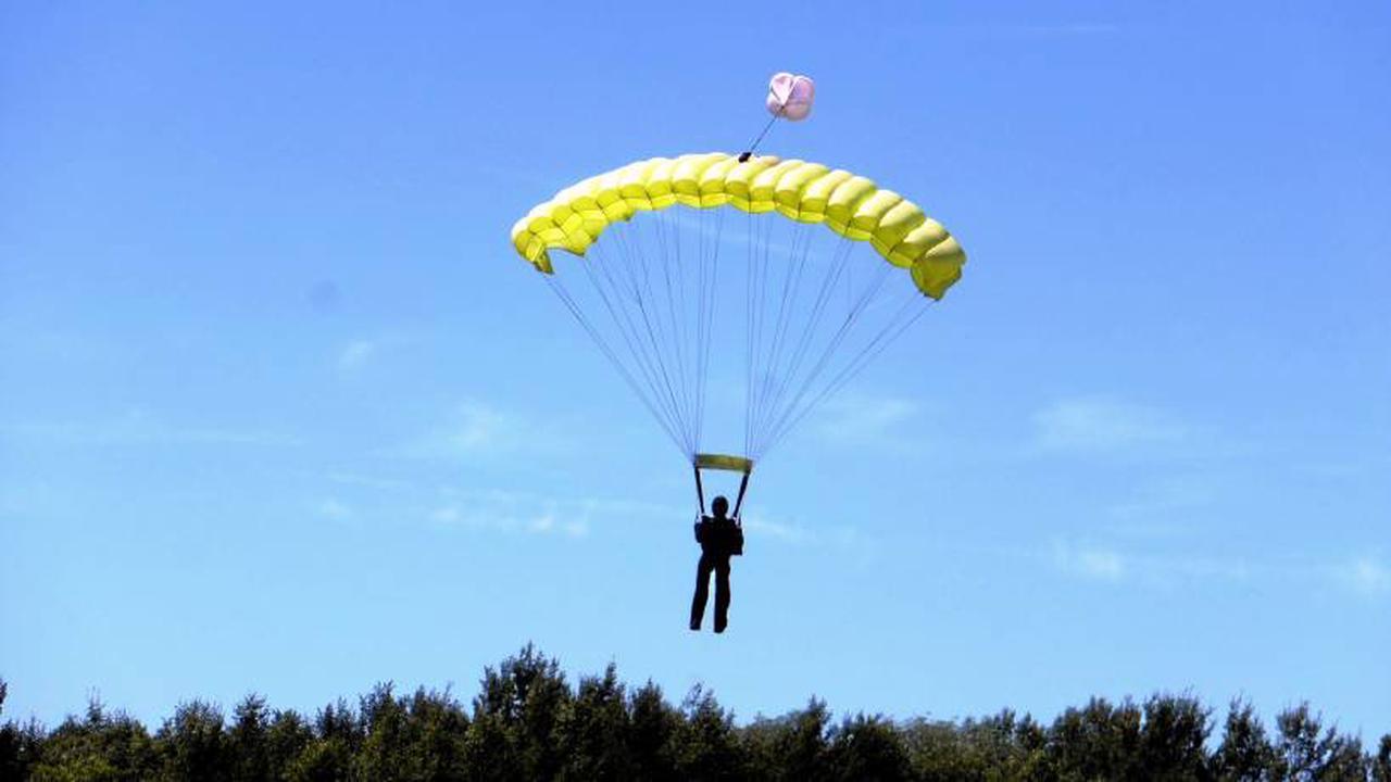 ▷ POL-WAF: Sendenhorst. Fallschirmspringer bei Landung schwer verletzt