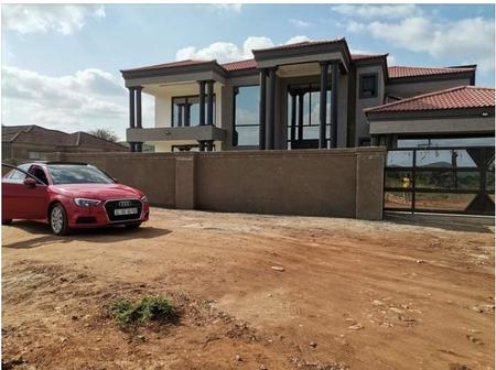 Young man from Giyani posted a picture of his mansion but people turned it into a laughing stock