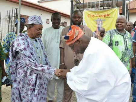 Former President Obasanjo Is Indeed A Humble Man, See Pictures Of Him Prostrating To Greet Leaders