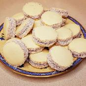 "How to Make Argentinian Caramel Cookies, or ""Alfajores"""