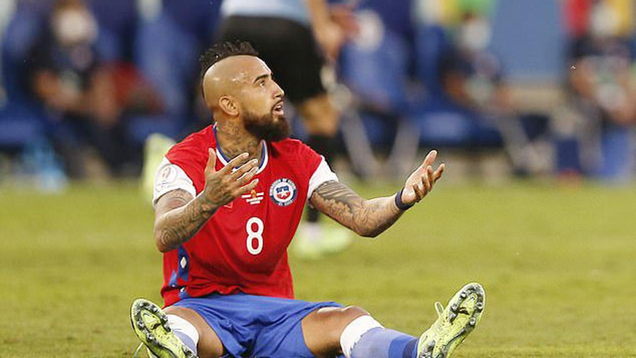 Chile 1-1 Uruguay: Chile progress to Copa America quarter-finals despite Arturo Vidal scores own goal following Eduardo Vargas' opener