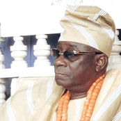 OPINION: EFCC Should Look Into The Case Of Oba Of Lagos For Keeping $2m, N17m At Home
