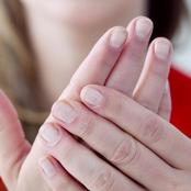 لا تتجاهلها!.. إذا كنت تعاني من «تورم الأصابع» فأنت مصاب بمرض خطير