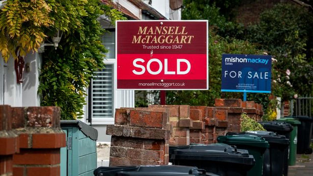 Langley named as one of UK's top ten house-buying hotspots