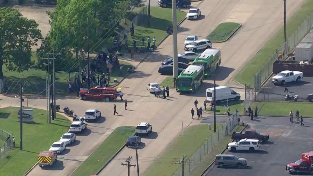 1 dead, 5 others shot in Texas industrial park; suspect in custody