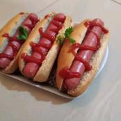 FOOD: Checkout Easy Steps In Preparing Hot Dog