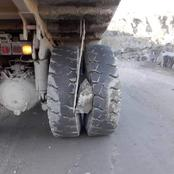 See what Motorists spotted Between this truck Tyres