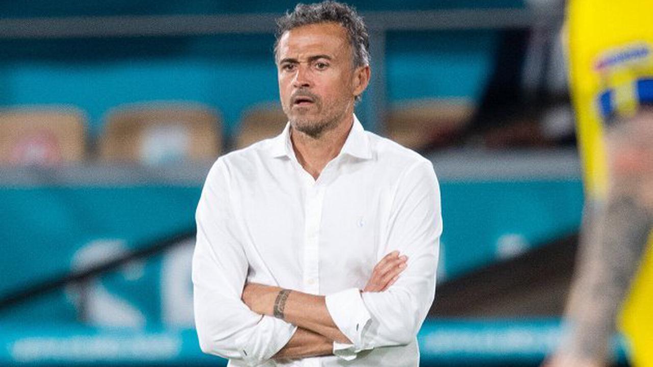 Van der Vaart takes aim at Luis Enrique's Spain: Pass, pass, pass