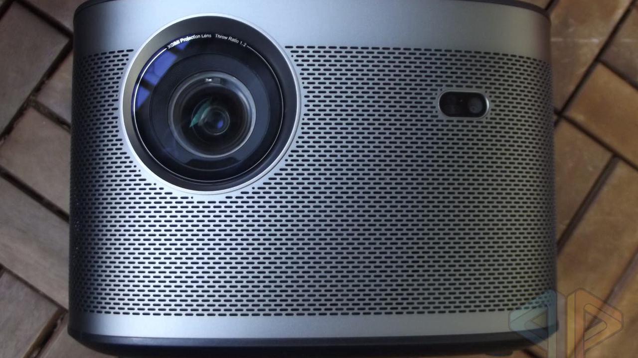 Review: XGIMI Horizon HD-Beamer mit Android TV und Harman/Kardon Lautsprecher im Test