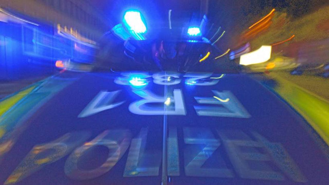 250 Jugendliche im Park feiern friedlich zwei Nächte hintereinander in Erfurt