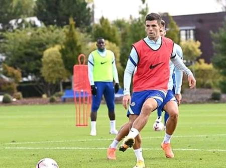 Chelsea Players in Training Ahead of London Derby against Crystal Palace