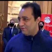 عمرو الجنايني يقبّل رأس أحمد مرتضي بعد منعه من حضور الجمعية العمومية