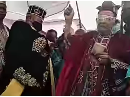 Alaafin Oyo Spends Money On Oluwo For His Dance Steps