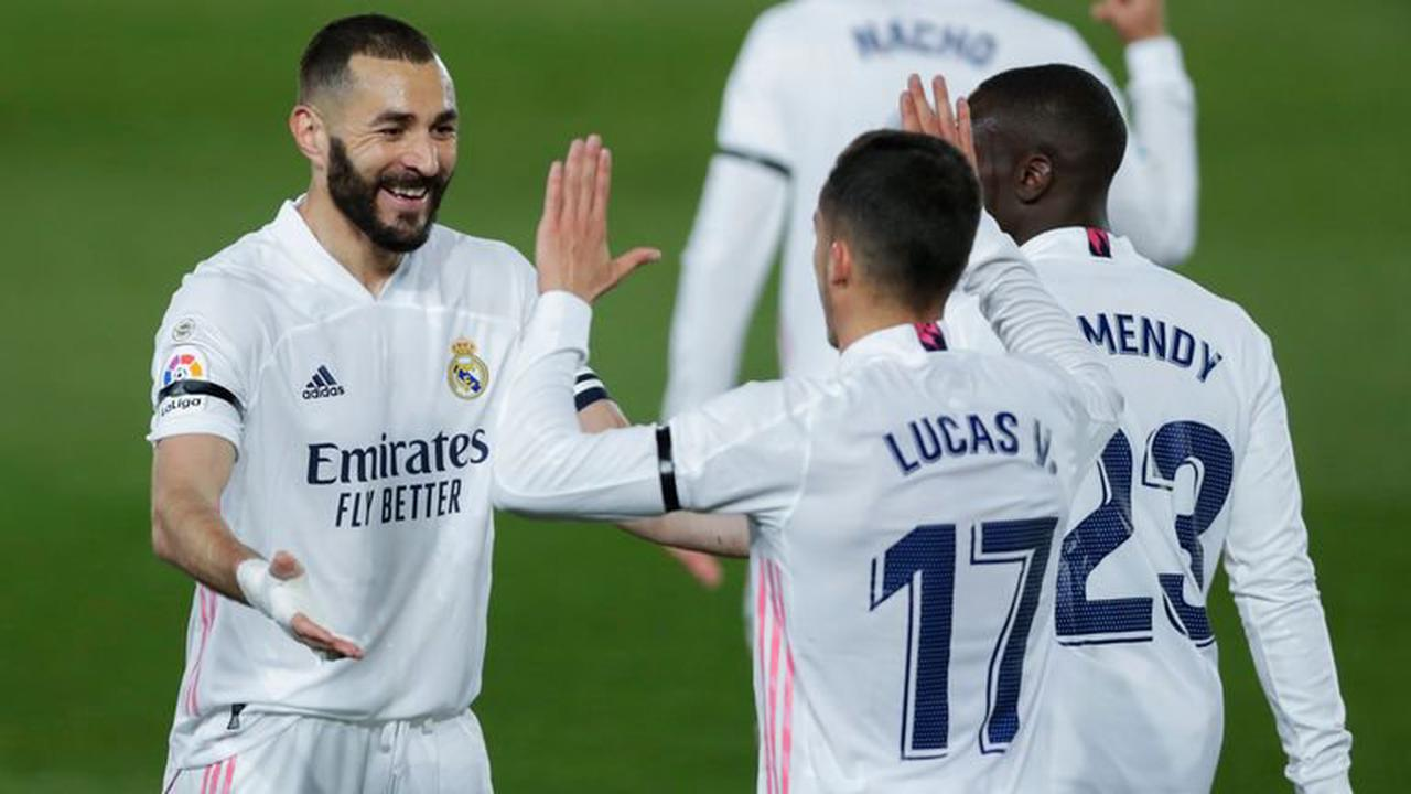 Real Madrid 2-1 Barcelona: Champions Real hang on in Clasico thriller