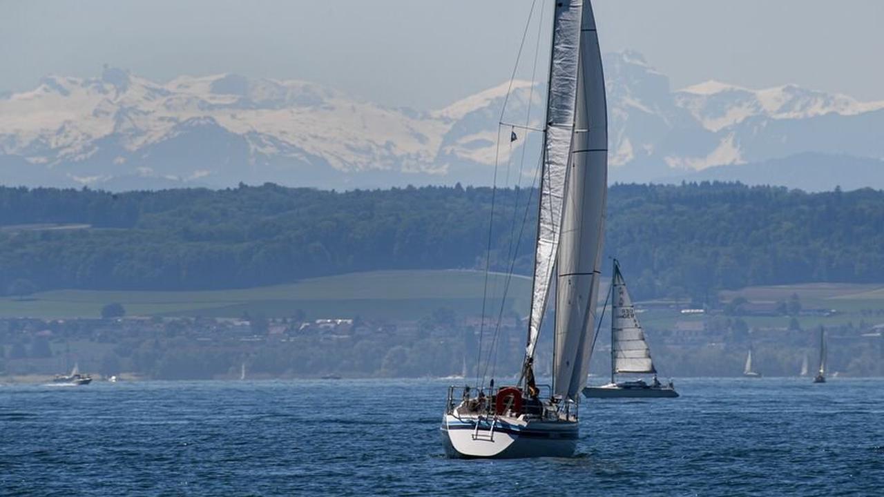 Segelboote kentern bei Regatta wegen stürmischen Wetters auf dem Bodensee - Keine Verletzten