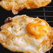Stop Eating Fried Eggs If You Have These Conditions
