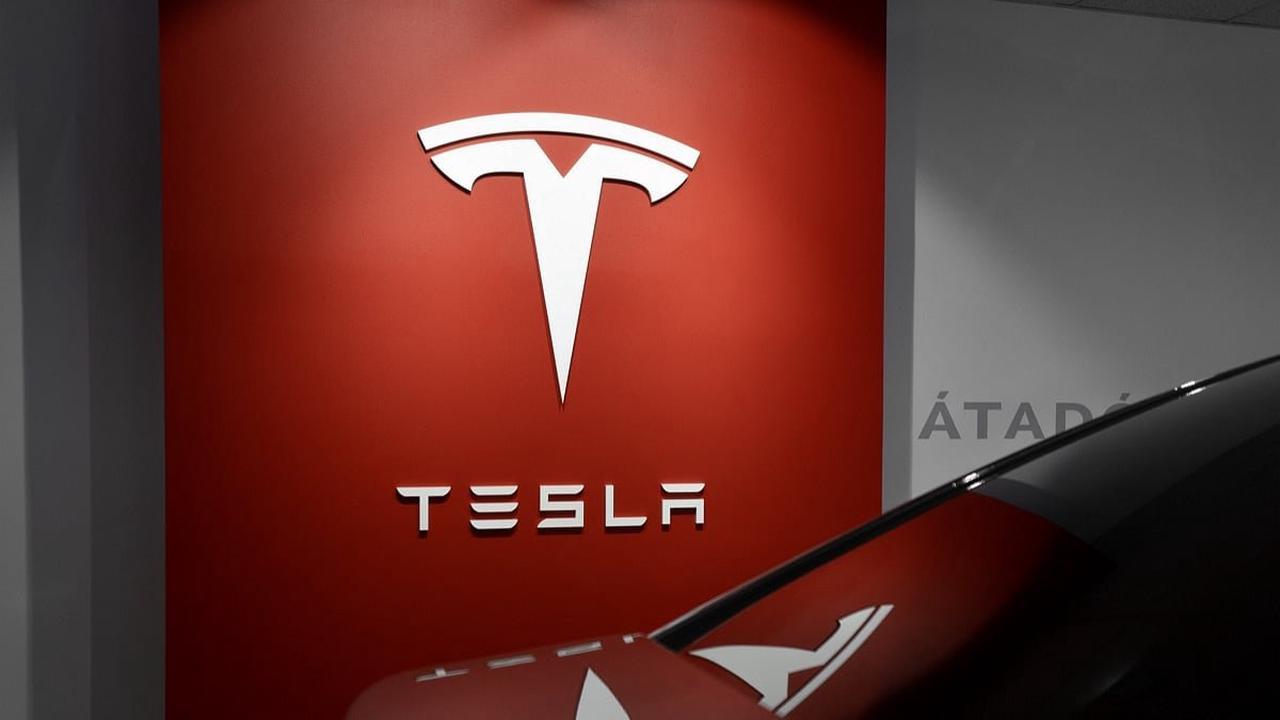 Tesla vend désormais de la tequila, le poisson d'avril d'Elon Musk devient réalité