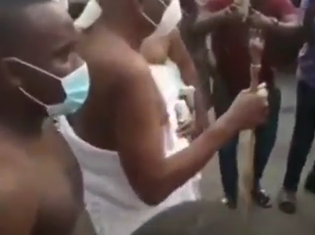 Oba of Lagos finally returns to his palace months after mob attacked his palace and stole his staff