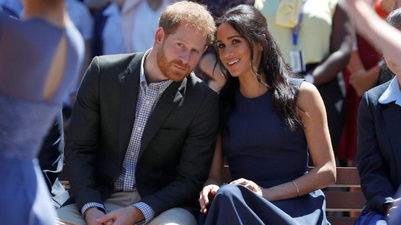 Meghan and Harry set up a virtual meeting with the Queen's representatives to try to extend the deadline for #Megxit - Notes - Glururama