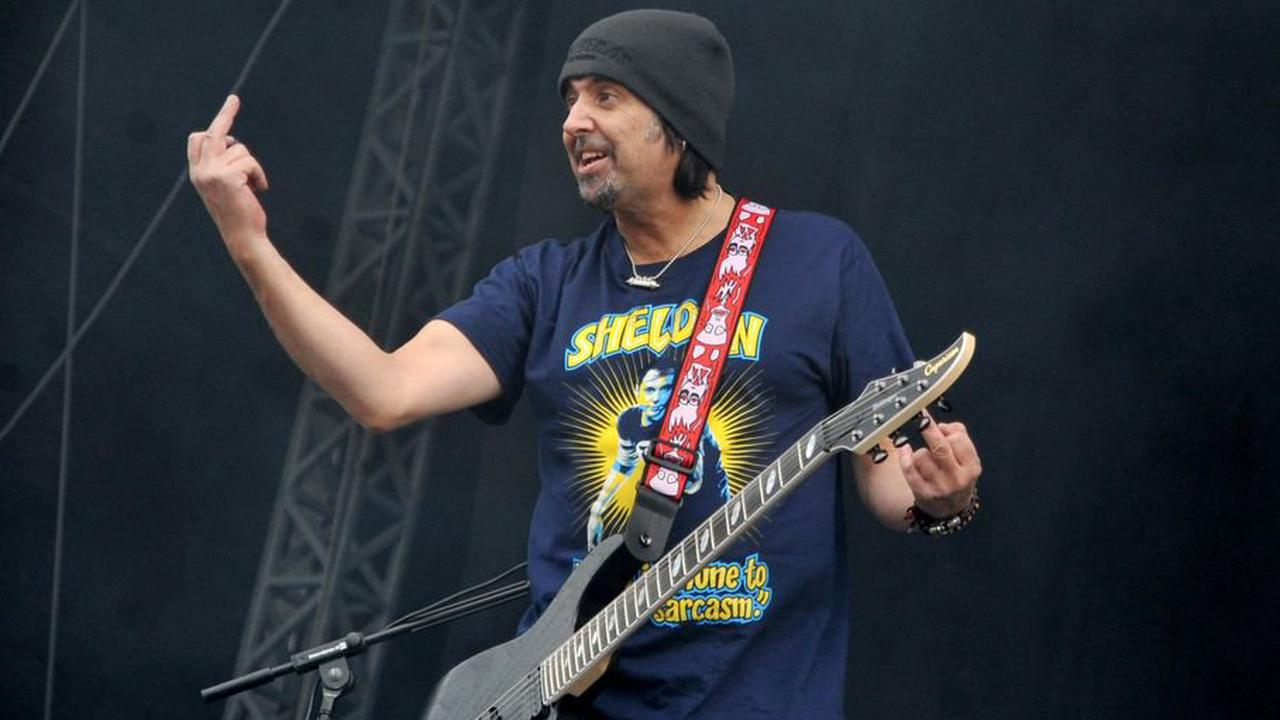 Hear the powerful isolated guitar of Motörhead's Phil Campbell on 'Ace of Spades'