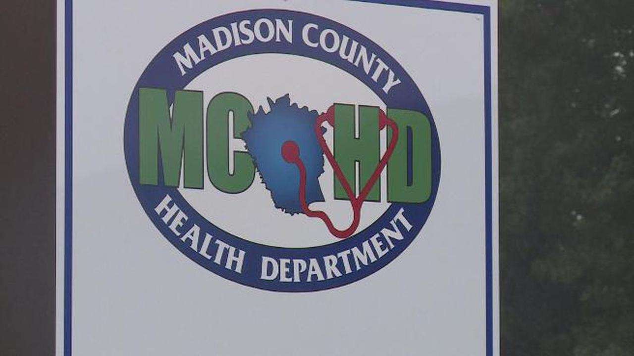 Ky. COVID-19 cases leveling off; health officials worry about post-holiday surge