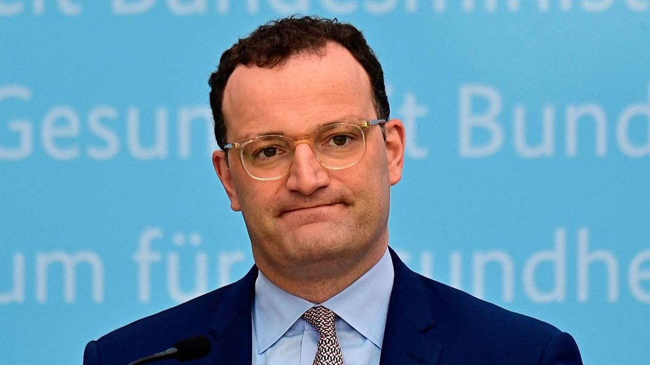Bringen unbrauchbare Schutzmasken Gesundheitsminister Jens Spahn zu Fall?