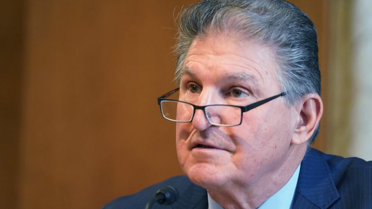 Joe Manchin says stimulus package's unemployment benefits should stay at $300