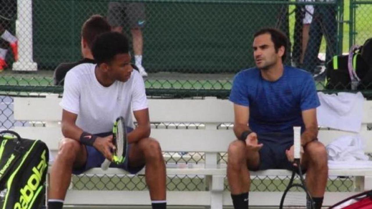 Federer s'est fait croquer par un Auger-Aliassime offensif et efficace au service