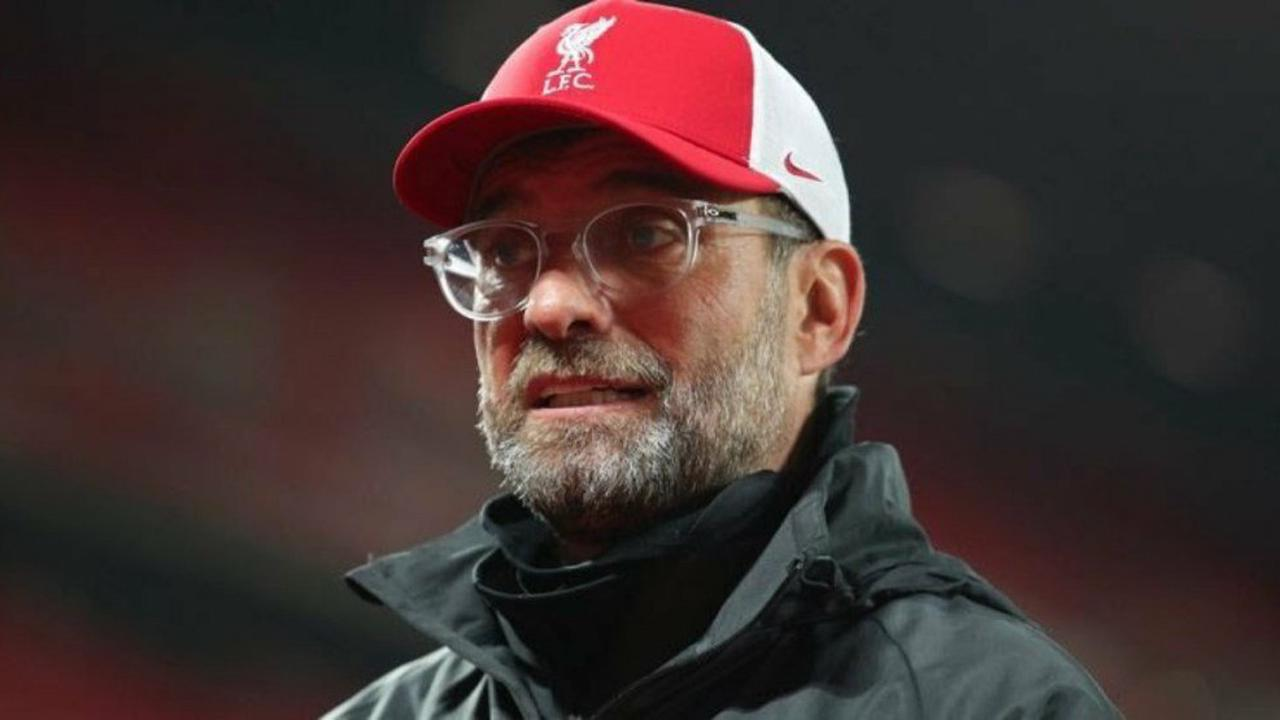 Former Liverpool star highlights transfer 'problem' with Raphael Varane point