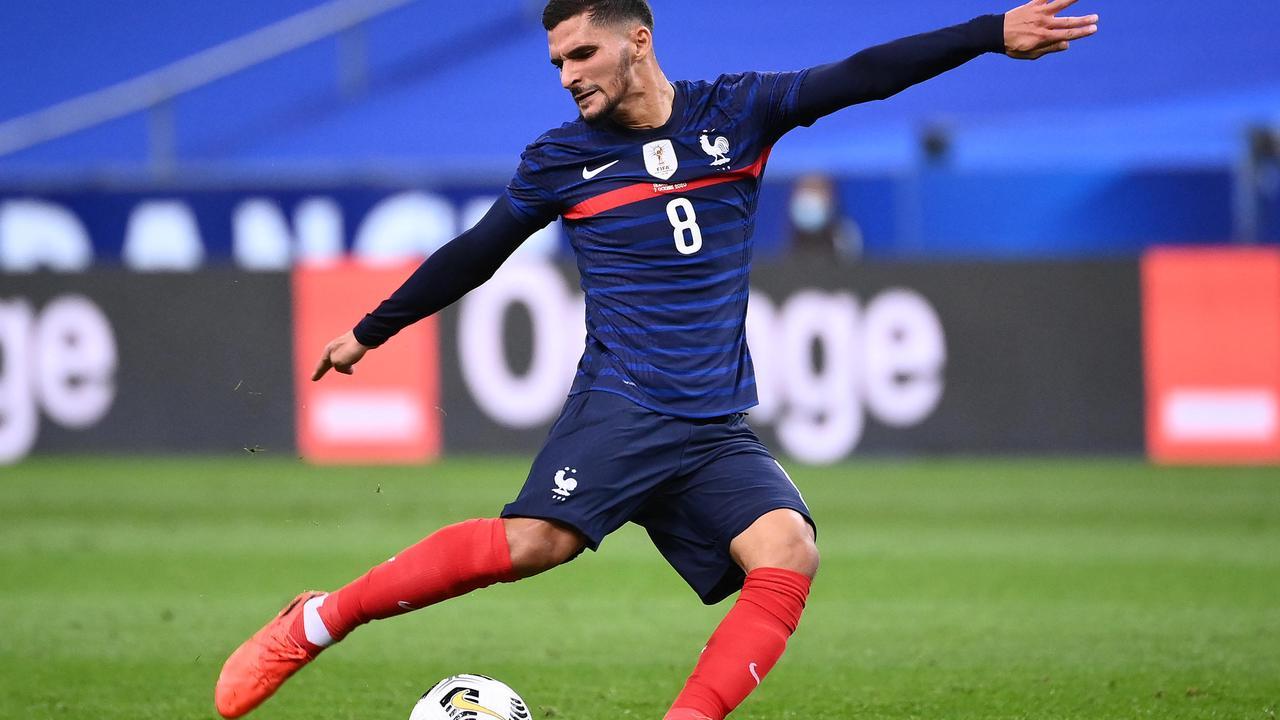 Bleus: Houssem Aouar remplace Nabil Fekir, blessé à une jambe