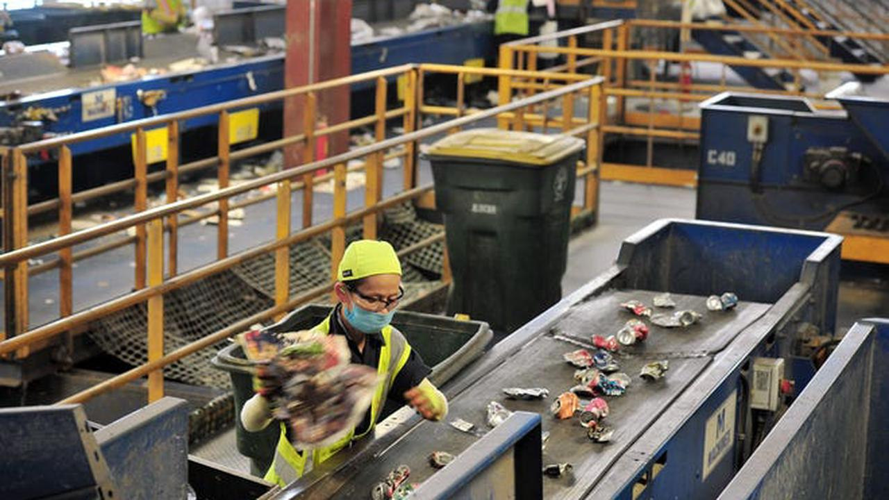 Jacksonville recycling program gets revisited by City Council