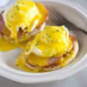 The Simplest Spices You Can Use To Prepare Hollandaise Sauce