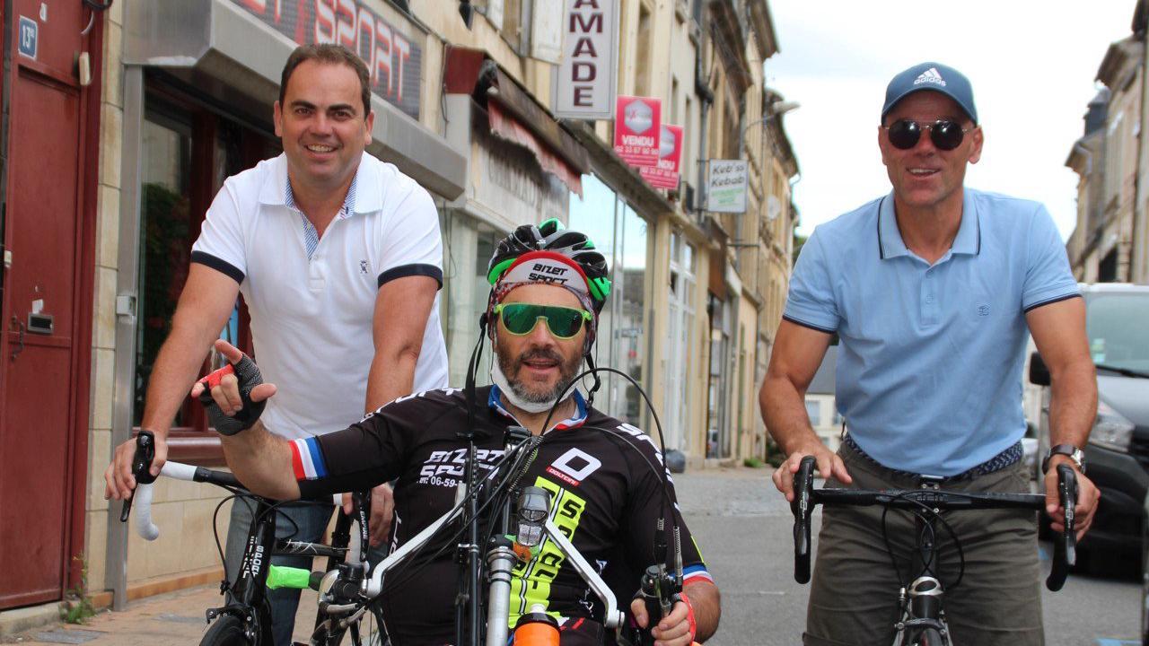 Le défi de ces trois copains d'Argentan, grimper le mont Ventoux en handbike et à vélo