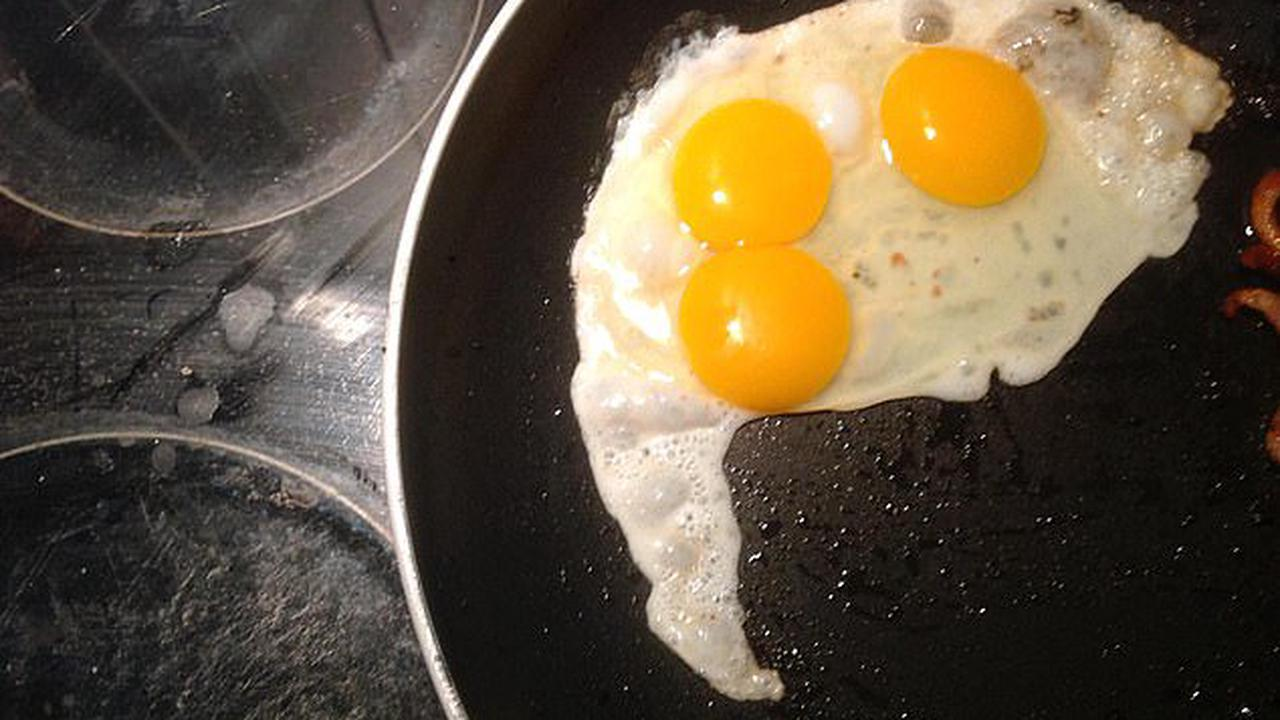 What a cracker! Peppa the hen who has a 'record of producing big eggs' lays one with a TRIPLE yolk