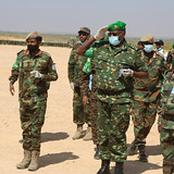 AMISOM Force Commander and SNA CDF visit troops in Beletweyne
