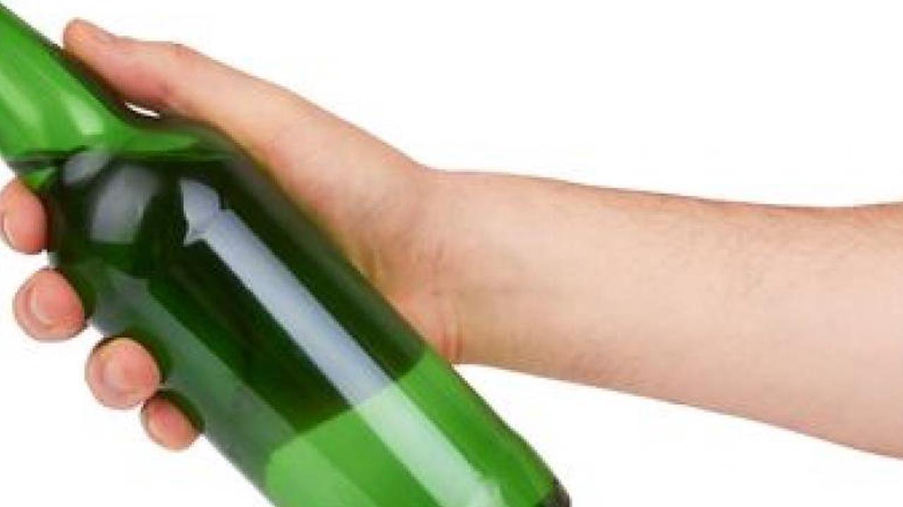 Freiburg: Prozess geworfene Flasche