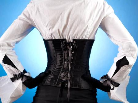 Do You Often Wear A Corset? Here Are 5 Side Effects That May Occur
