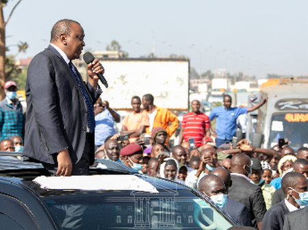 President Uhuru Forced To Stop And Address Juja Residents After Attending Wakapee's Burial