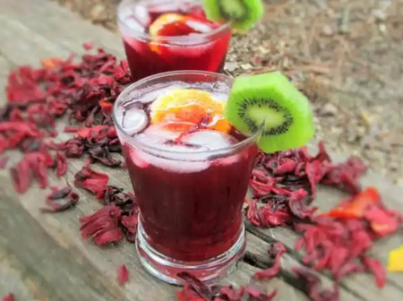 Follow these steps to make your tasty Zobo fruit punch for the new year celebration.