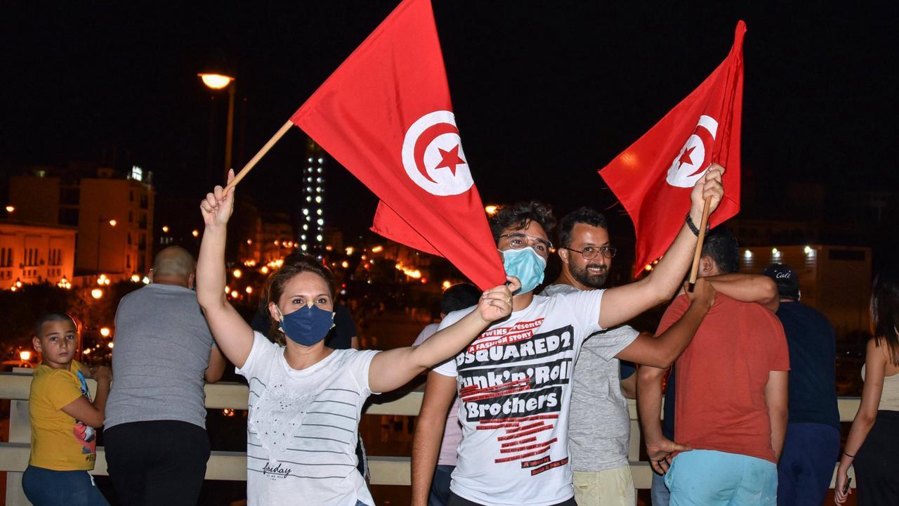 Tunesien: Was die Absetzung der Regierung für das Land bedeutet