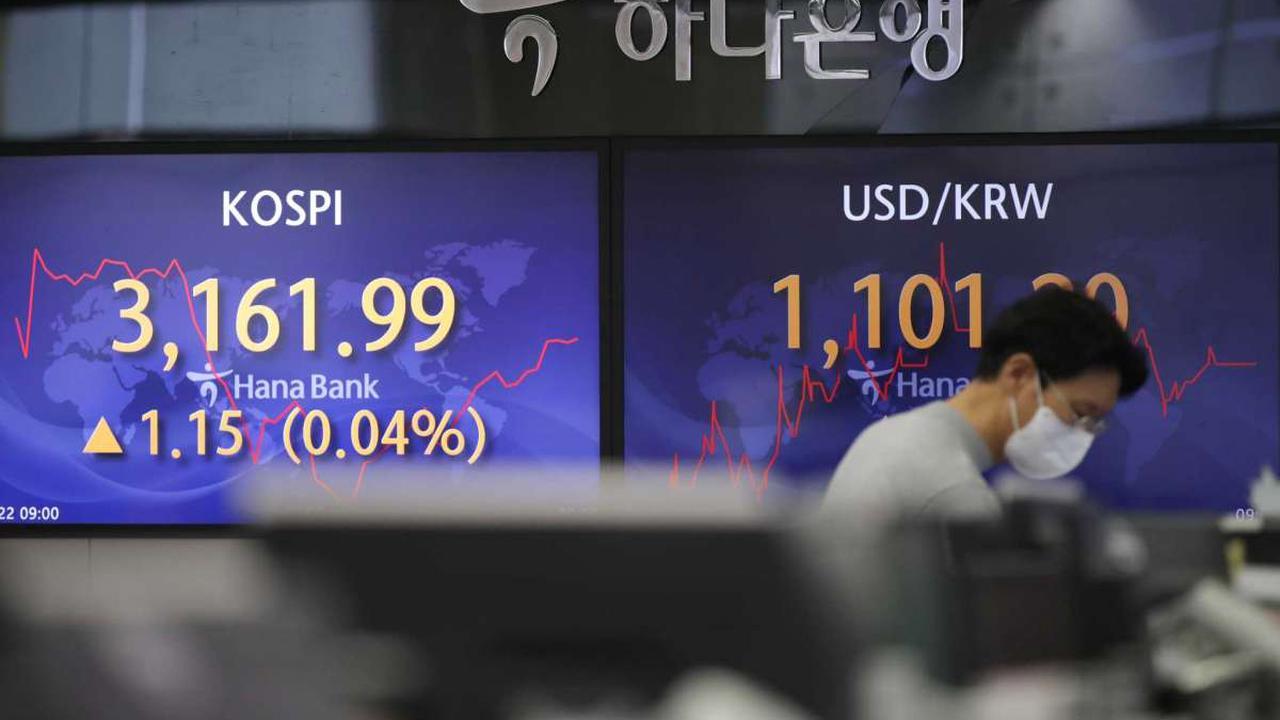 Asian stocks sink after China coronavirus resurgence
