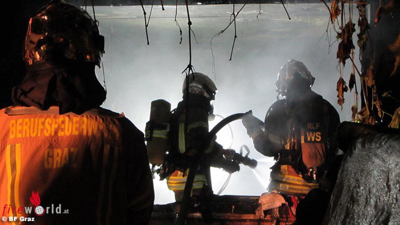 Stmk: Ausbreitender Messie-Zimmerbrand in Graz fordert Einsatzkräfte die ganze Nacht hindurch