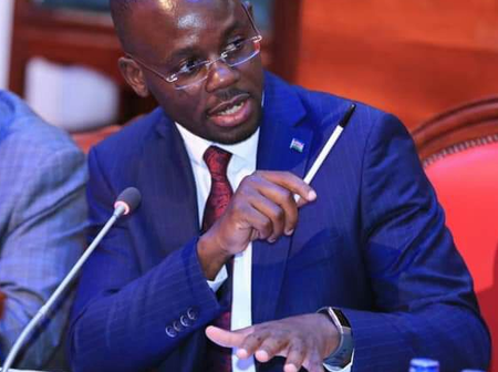 Find Out What Homa Bay Senator Moses Otieno Kajwang' Does Away From Politics (Photos)