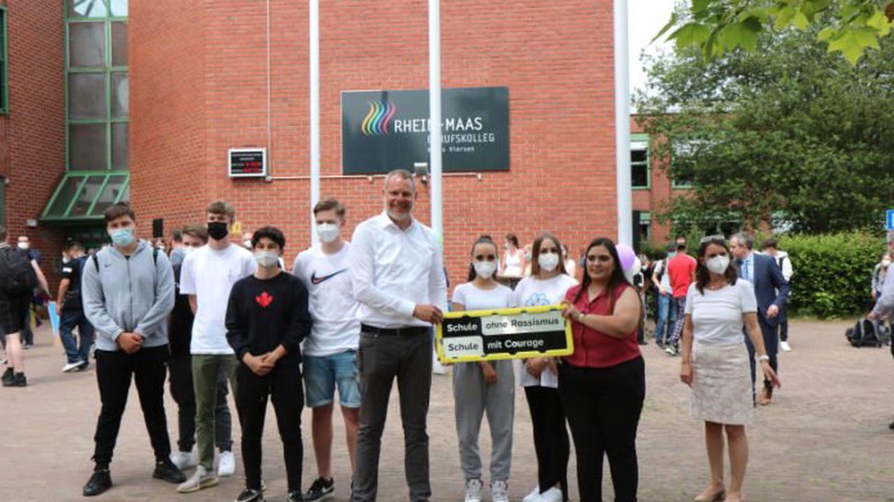 """Rhein-Maas-Berufskolleg wird """"Schule ohne Rassismus – Schule mit Courage"""""""