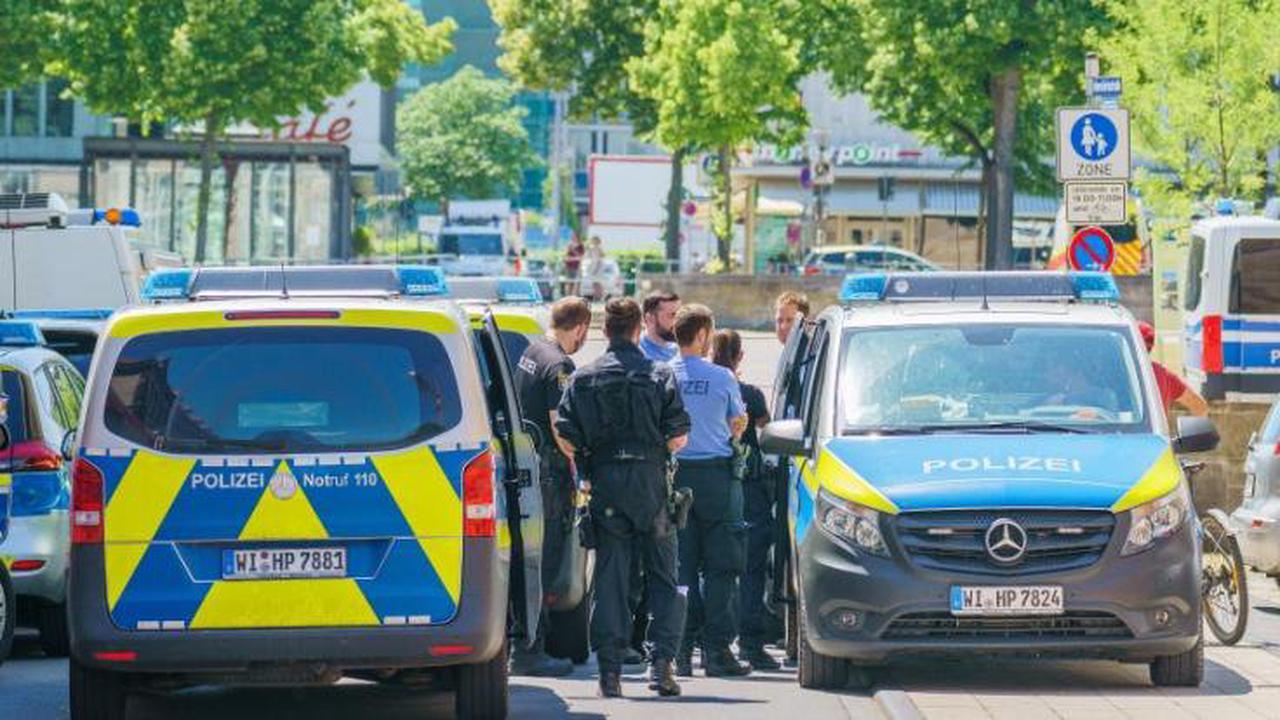 """""""Querdenker""""-Protest in Berlin: Demonstrant (48) stirbt bei Polizei-Kontrolle an Herzinfarkt"""