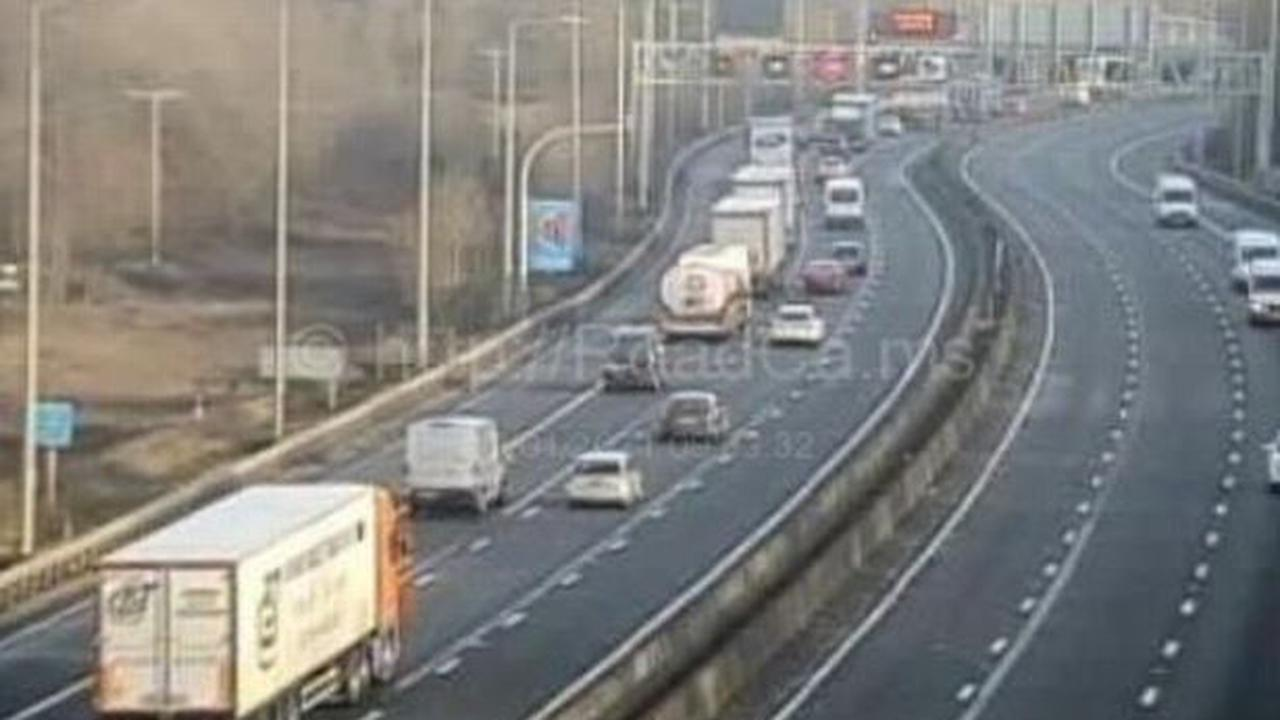 M5 to be 'closed for most of the day' following lorry crash