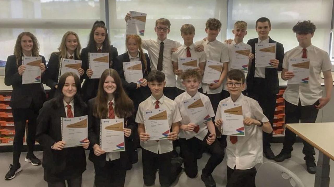 Airbus Foundation Flying Challenge – Flintshire school students celebrate at virtual graduation ceremony