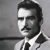 بالعكاز والنظارة الطبية .. شاهد صورة محزنة لأحمد مظهر بعد أن حاصرته أمراض الشيخوخة والزهايمر